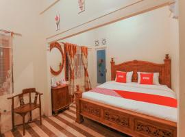 OYO 3715 Ndalem Jogja Cupuwatu Syariah, hotel near Adisucipto Airport - JOG, Yogyakarta