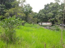 Casa de Campo com piscina em meio à natureza., pet-friendly hotel in Volta Redonda