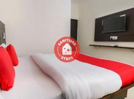 OYO 67595 Hotel Red Oak, hotel near Fateh Burj, Lāndrān