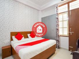 OYO 72278 Abhi Palace, hotel in Lucknow