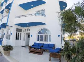 Tobia Hotel Beach، فندق في Qadd el-Barûd