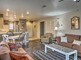 Condo in the Holiday Hills Resort and Golf Club, villa in Branson