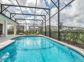 Family Resort - 8BR Mansion - Private Pool and BBQ!, hotel em Kissimmee