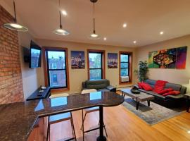 Newly Renovated Penthouse Suite, hotel in Brooklyn