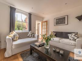 Stunning Character House In The Centre of Henley, hotel in Henley on Thames