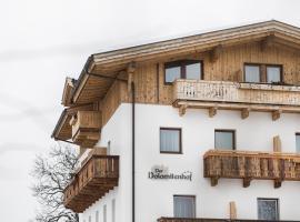 Der Dolomitenhof - Tristach, hotel in Lienz