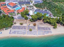Lagomandra Beach Hotel: Lagomandra şehrinde bir otel