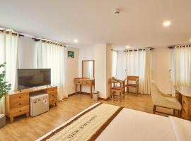 Sai Gon's Book Hotel - The Airport Front, hotel near Tan Son Nhat International Airport - SGN, Ho Chi Minh City
