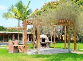 Villa Monica, spa hotel in Pachacamac