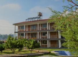 Runaway Eco Hotel, hostel in Carhuaz