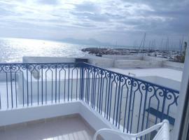 Amazing Studio with Private Access Beach, villa in Sidi Bou Saïd