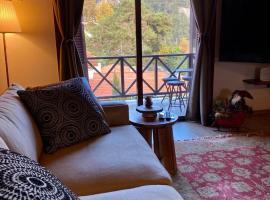Cozy mountain apartment in Platres, hotel near Forest Park, Platres