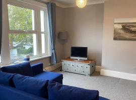 Central and Convenient with Private Parking, apartment in Portsmouth