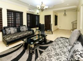 New Beautiful Four Bedroom Duplex in Omole estate!, villa in Ikeja