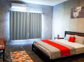 RedDoorz Syariah near Lombok Epicentrum Mall, hotel in Mataram