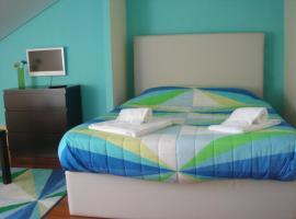 CoolHostel, hostel in Porto