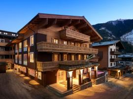 Hotel Panther'A, hotel in Saalbach Hinterglemm