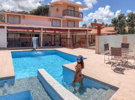 Pousada Ventos da Barra, hotel with pools in Barra de Santo Antônio