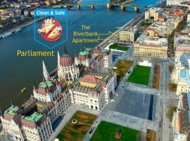 Riverbank Apartment At Parliament, Ferienwohnung in Budapest