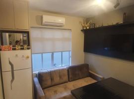 Lindo apto, 100metros da praia, na Av Brasil com a Av Central melhor localização, apartment in Balneário Camboriú