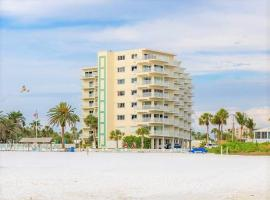 Jamaica Royal Beachfront by Beachside Management, apartment in Siesta Key