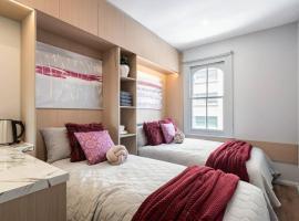 Private Triple Room in Sydney City Near TrainBus UTS DarHar&ICC&ChinaTown - ROOM ONLY, sumarhús í Sydney