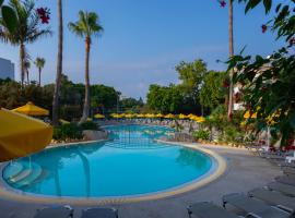 Mayfair Gardens, hotel in Paphos