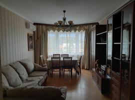 5-комнатная квартира, family hotel in Pushkino