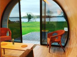Carrickreagh Bay Luxury Glamping Pods, Lough Erne, hotel in Enniskillen