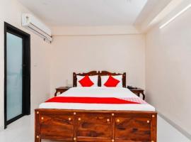 HOTEL BLUEMOON, hotel near JECRC University, Jaipur