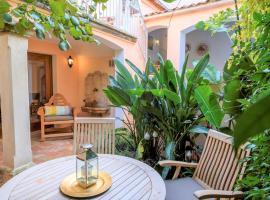 Maison Magdeleine A haven in the heart of Saint-Tropez, pet-friendly hotel in Saint-Tropez