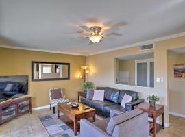 Sun Scape Condo on Golf Course Pool Access!, vacation rental in Scottsdale