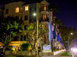 LUXURY BEVERLY HILLS CONDOS, serviced apartment in Los Angeles