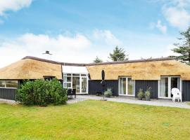 Four-Bedroom Holiday home in Vejers Strand 1, villa in Vejers Strand