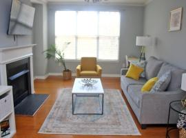 2BR Condo Uptown Charlotte Park View with Free Parking, apartment in Charlotte