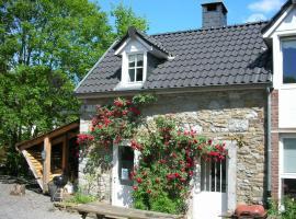 Romantic Cottage in Ferrieres with Open Fire, hôtel à Ferrières