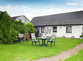 Charming Holiday Home in Kuhlungsborn with Terrace, holiday home in Kühlungsborn