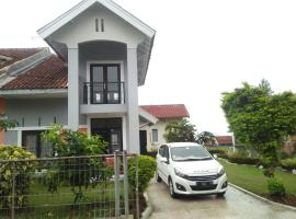 hasna villa 2, hotel with parking in Cianjur