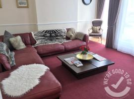 Devonshire House, hotel near Entry Hill Golf Club, Bath
