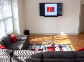 VIP ACCESS DOWNTOWN APT 1Q & 2F BED IDEAL LOCATION, vacation home in Atlanta