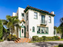 Casa del Mundo - 2bd-3ba with Private Pool, villa in West Palm Beach
