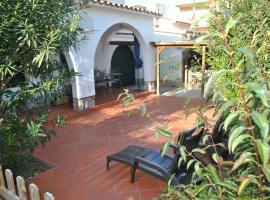 La Casa del Bosc, playa y golf - Salou, villa in Salou
