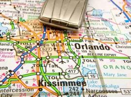 Private Suites & Rooms in Shared Home in Resort Community Close to Everything, homestay in Kissimmee