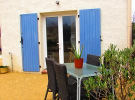 Vacances en Provence, hotel in Charleval
