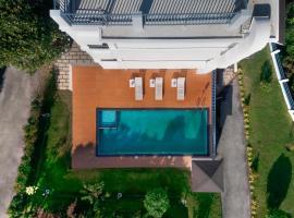 Pleasant Hill Resort, luxury hotel in Munnar
