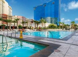 1BR PENTHOUSE-STRIPVIEW-FREE PARKIN-NO RESORT FEES, vacation rental in Las Vegas