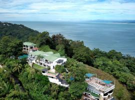 Oceans Two Resort, hotel en Manuel Antonio