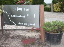 Bed & Breakfast 'Aan de IJssel', B&B in Zwolle