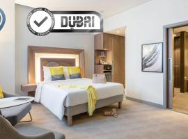 Novotel Bur Dubai - Healthcare City, hotel near Mohammed Bin Rashid Al Maktoum Academic Medical Center, Dubai