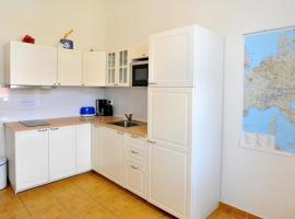 Central City Vinohrady Apartment, hotel in Praag